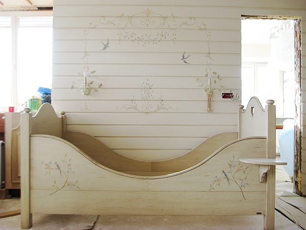 17_Стена и кровать (600x450, 135Kb)