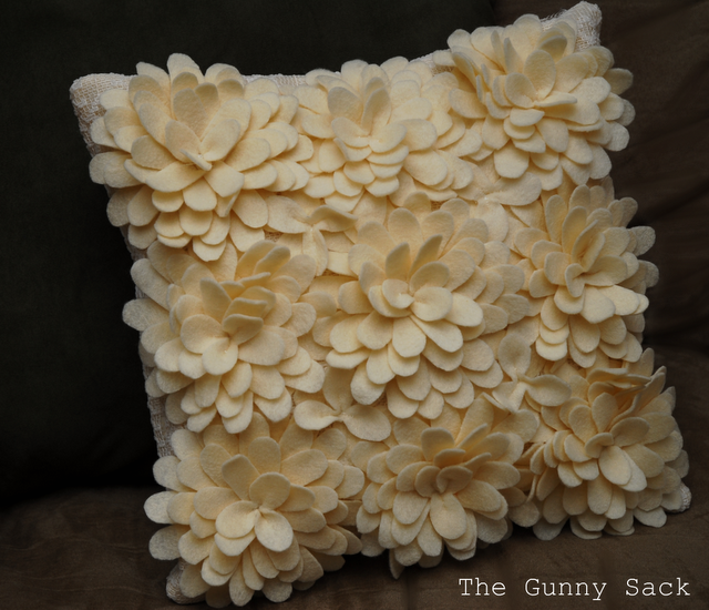pillow (640x550, 589Kb)