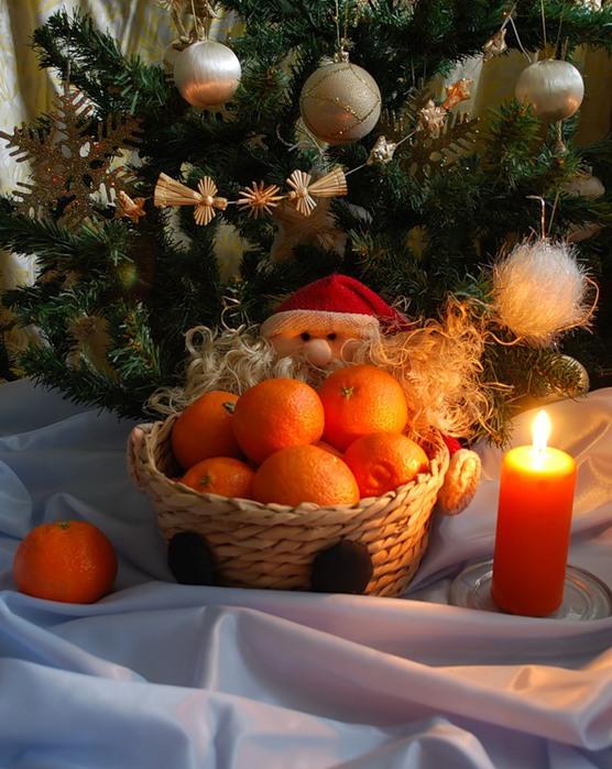 До самого волшебного, всеми любимого праздника остается совсем немного времени. Красивые елки и сияющие гирлянды на улицах и про