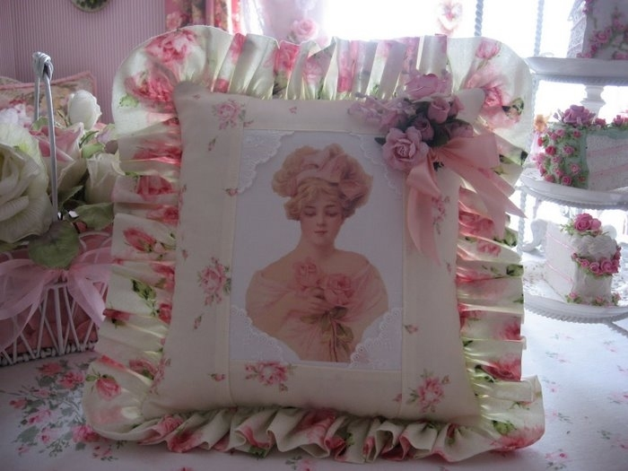 4497432_victorian_lady_and_roses_ (700x525, 148Kb)