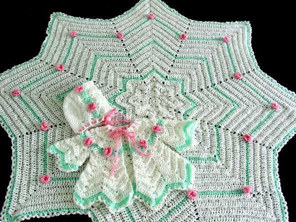 __Crochet-Maggie-Weldon-Rosebud-Ripple-Layette-PA396 (600x450, 80Kb)