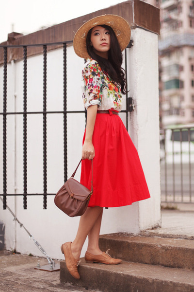 olive-green-topshop-hat-white-zara-shirt-red-h-m-skirt-camel-max-flats_400 (400x600, 101Kb)