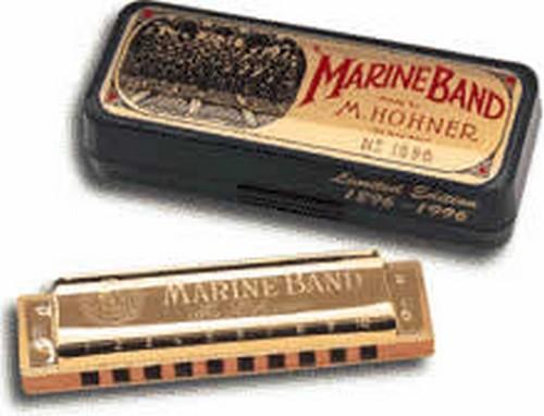Самый компактный инструмент - губная гармошка