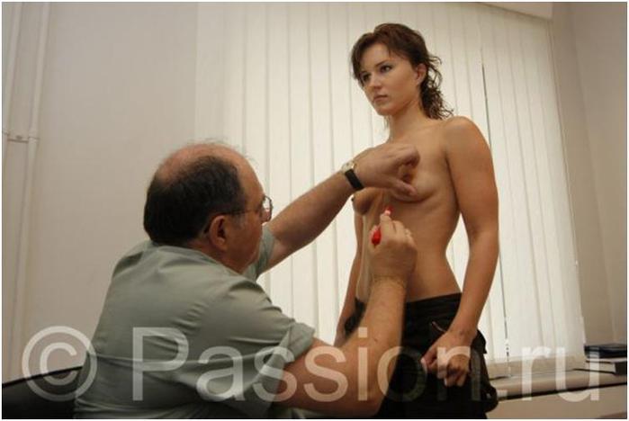 Муж завещал своей жене сделать силиконовую грудь и найти молодого любовника