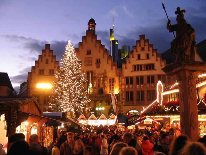 4404913_Frankfurter_weihnachtsmarkt_nacht (700x525, 161Kb)