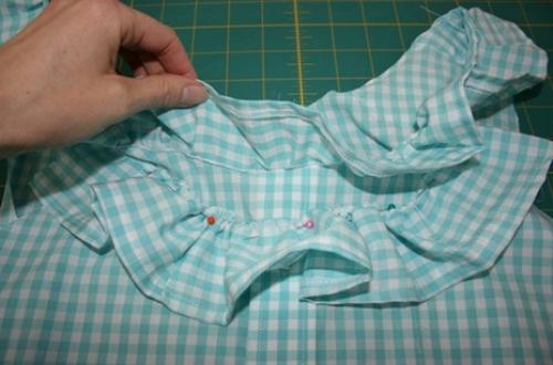 23 июл 2014 Как сшить блузку из мужской рубашки Мужскую рубашку легко перешить в очаровательную и кокетливую женскую...