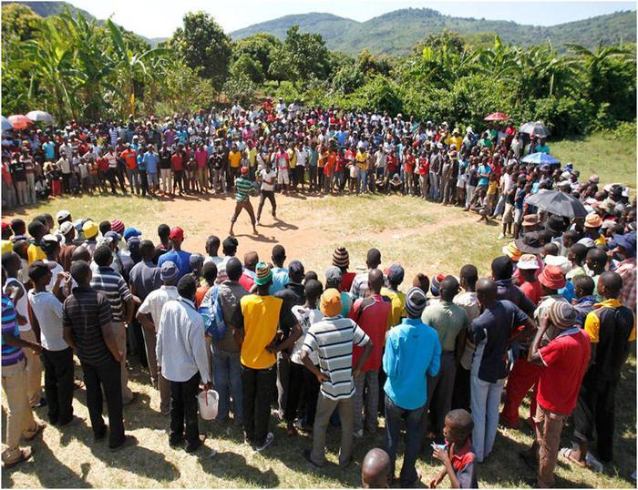 Африканские кулачные бои. Фотографии бойцов во время традиционного праздника Мусангве в Лимпопо