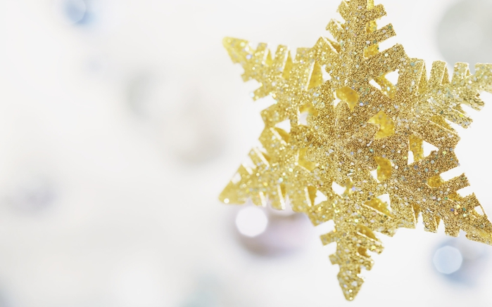 1 New_Year_wallpapers_New_snowflake_011356_ (700x437, 155Kb)