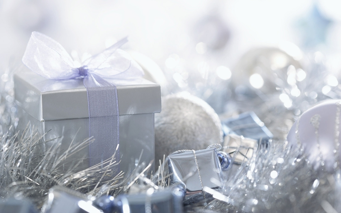 5 New_Year_wallpapers_Gifts_for_New_Years_011359_ (700x437, 168Kb)