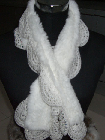 Rabbit_Fur_Scarf_with_Lace (350x467, 48Kb)