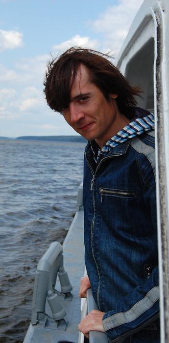 Лев Кардин - На катере к Воложке 05.2011