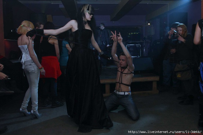 Gothic-Party (700x466, 126Kb)
