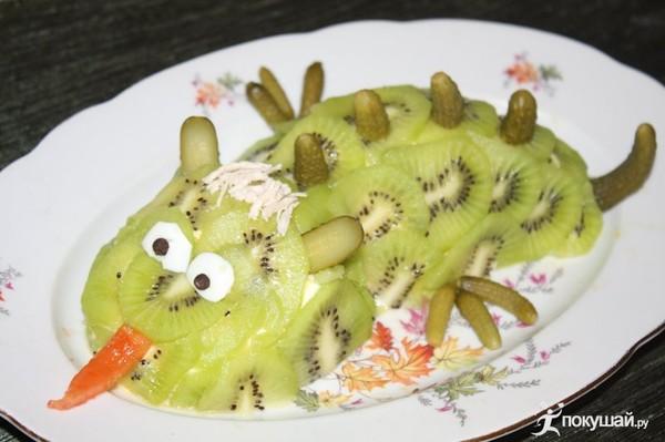 Новогодний салат дракончик с фото