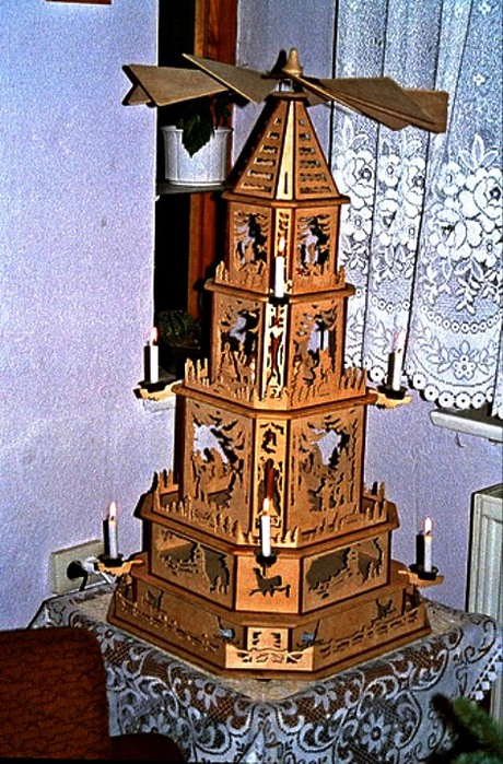 Pyramide Waldesrand (460x700, 150Kb)