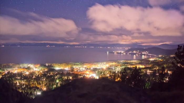 Живописное озеро Тахо в режиме Time-Laps