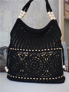Связать крючком такую элегантную сумку нетрудно.  Для этого нужно...