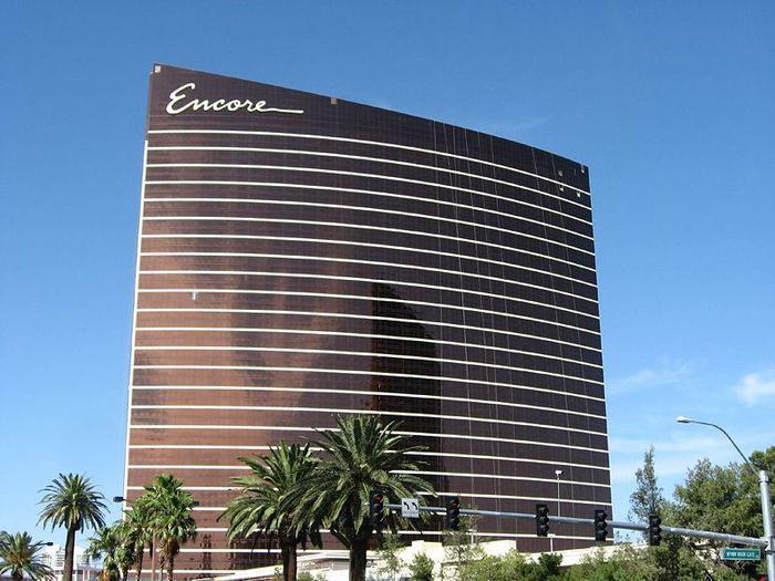 800px-Encore, _Las_Vegas_Strip [1] (700x525, 71KB)