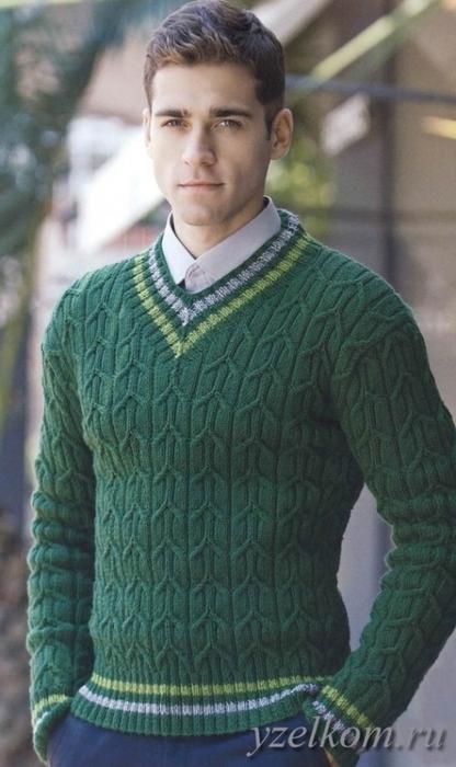 Пуловер мужской зеленый.