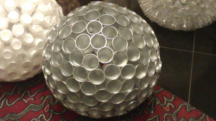 Игрушка из пластиковой посуды своими руками