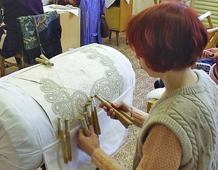 Кружевное плетение коклюшками