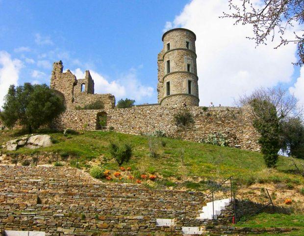 замок Гримо (620x480, 80Kb)
