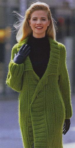 пальто вязаного спицами: