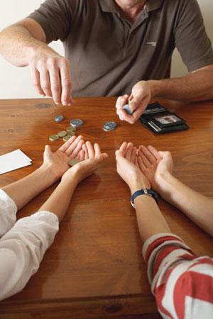 """3. Ведение семейного бюджета: делаем  """"общий котел """" и не отказываемся от личных расходов."""