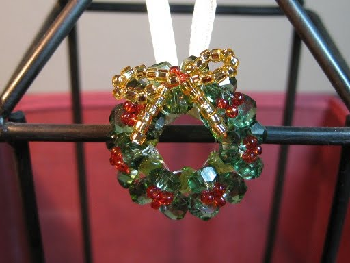 beaded wreath (512x384, 40Kb)