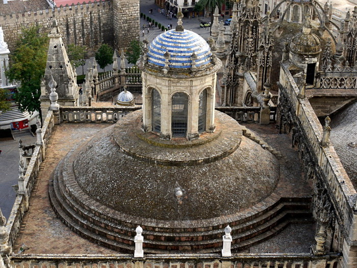 Sevilla%20Spain%201258208428(www_brodyaga_com) (700x525, 180Kb)
