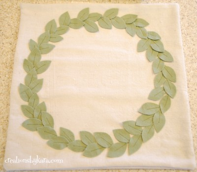 pottery-barn-wreath-pillow-028-400x350 (400x350, 29Kb)