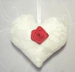 Превью Sachê coração cetim Branco com renda branca rosa vermelha 03 (700x669, 188Kb)