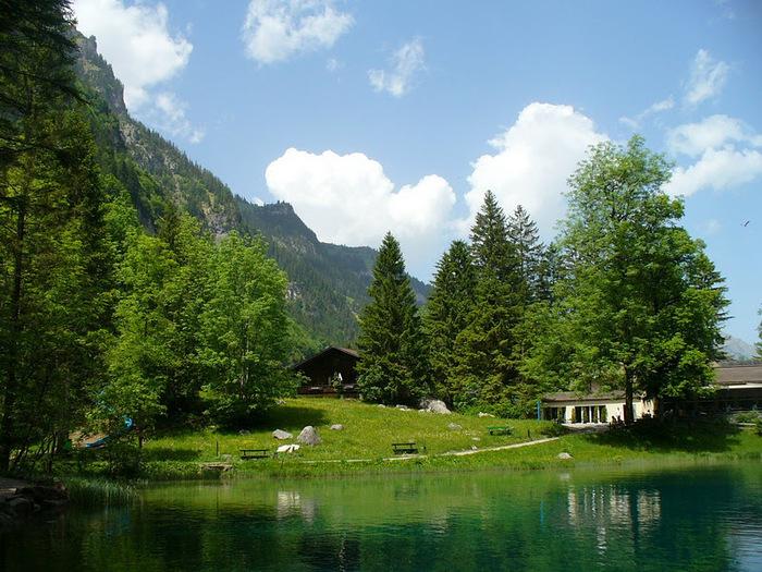 На холодно-синем стекле воды - Blausee 95505