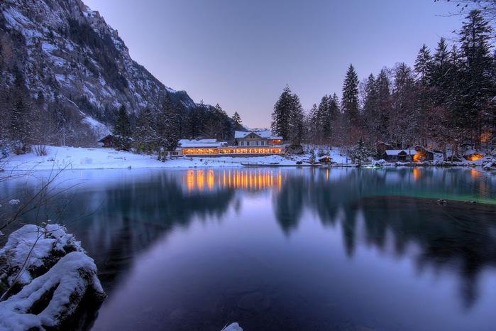На холодно-синем стекле воды - Blausee 37323