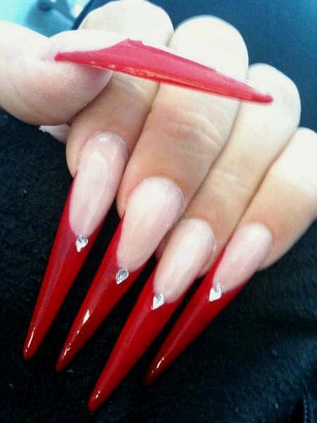 Ногти длинные френч красный