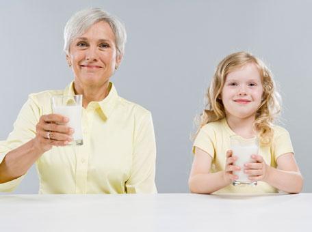 Orta yaşı geçmeye başlayınca ortaya çıkmaya başlayan osteoporoz