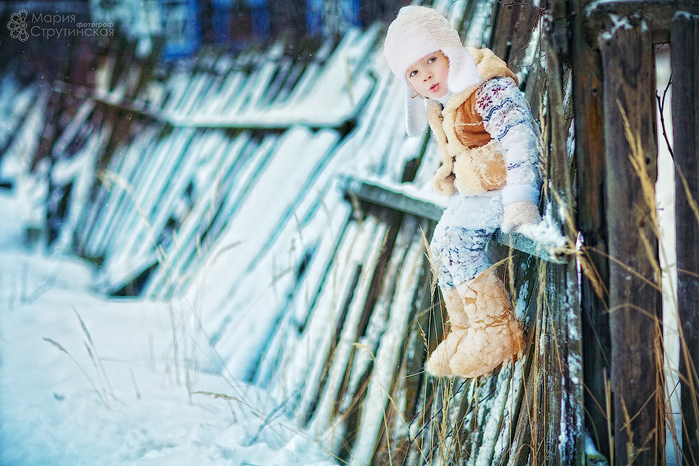 фото мальчик в снегу