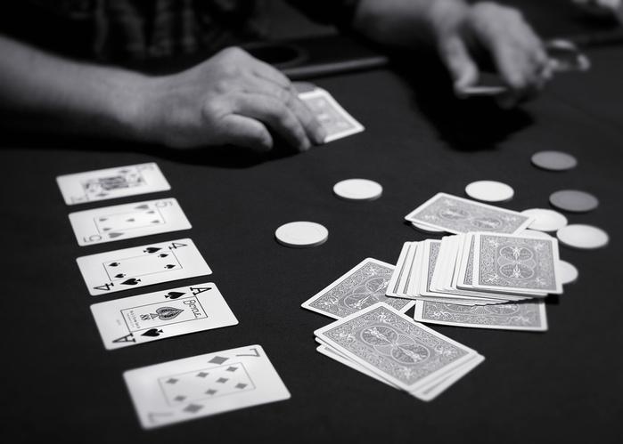 покер (700x499, 90Kb)