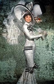 Style in film Audrey Hepburn in Sabrina  Classiq