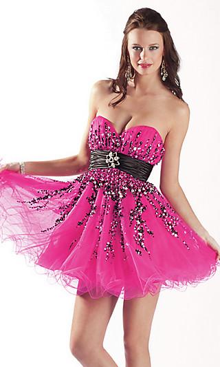 Знать красивые короткие платья