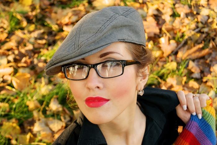 Знакомства с девушками в очках