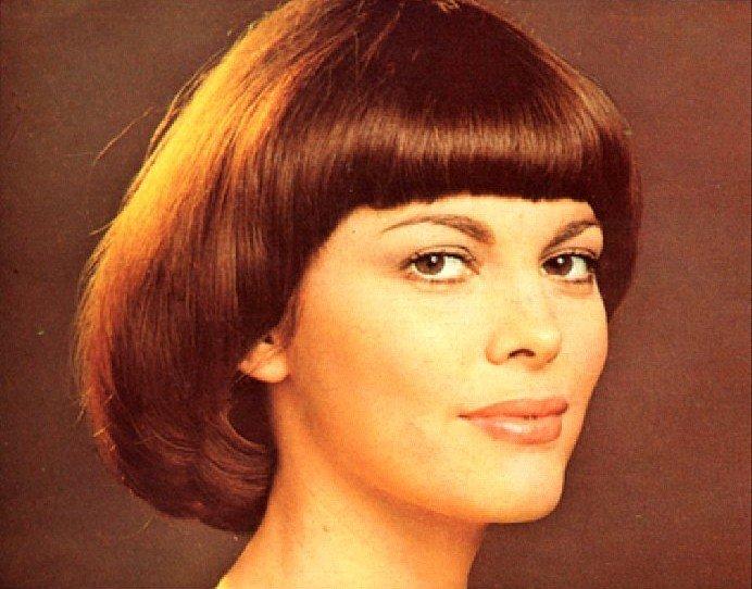 модели короткой стрижки для женщин после 50 лет