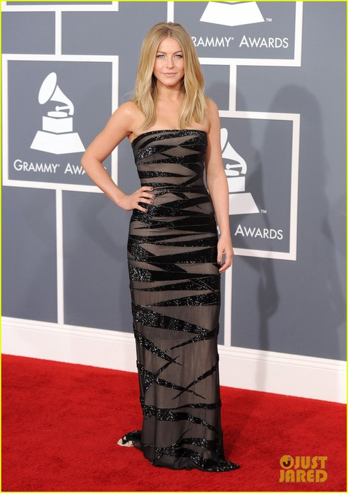 julianne-hough-2012-grammy-awards-05 (493x700, 77Kb)