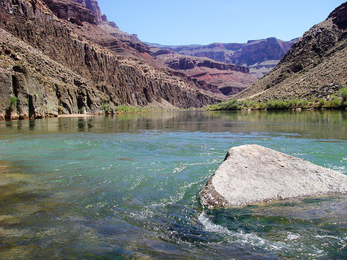 483251259-grand-canyon-at-the-tapeats-creek-colorado-river-confluence-looking-east (700x525, 241Kb)
