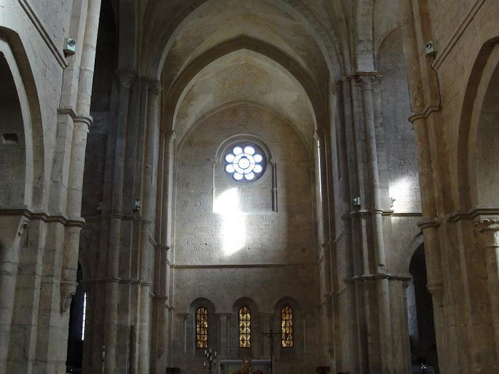 Бенедиктинское аббатство Фосанова :Fossanova 86135