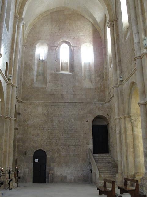 Бенедиктинское аббатство Фосанова :Fossanova 30778