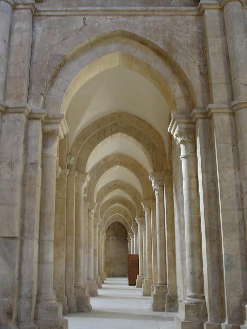 Бенедиктинское аббатство Фосанова :Fossanova 15348