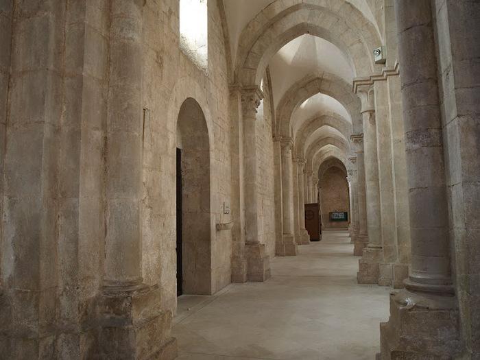 Бенедиктинское аббатство Фосанова :Fossanova 32721