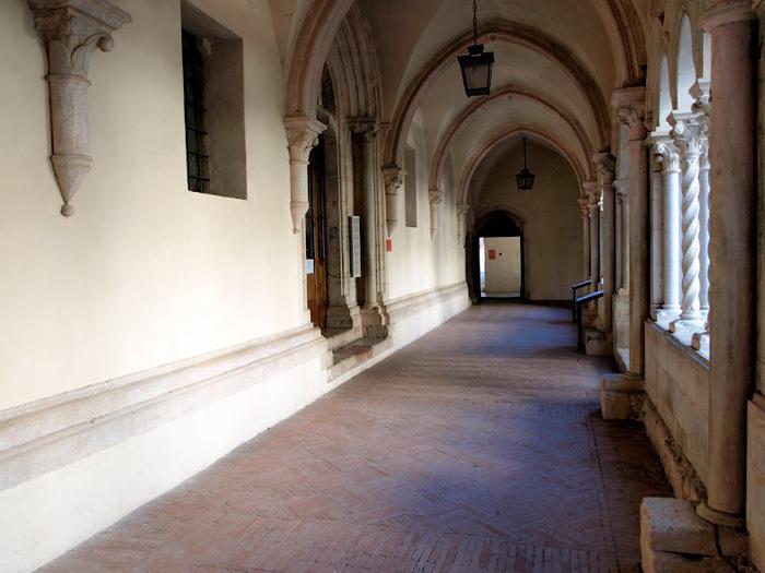 Бенедиктинское аббатство Фосанова :Fossanova 10292