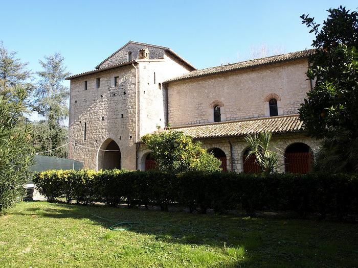 Бенедиктинское аббатство Фосанова :Fossanova 15143