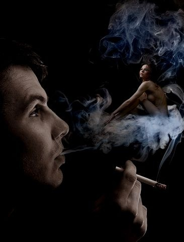 м видит ж в облаках сигар дыма (366x482, 32Kb)